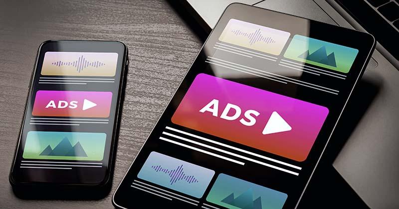 Advertising display ads