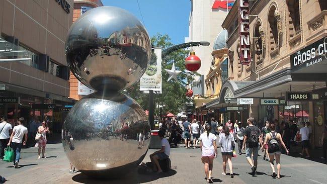 Mall balls